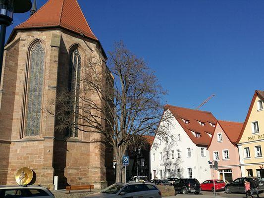 direkt an der Stadtkirche