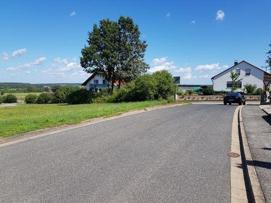 Grundstück auf linker Seite
