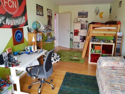 Kinderzimmer mit Balkon