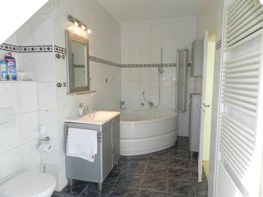6 Badezimmer