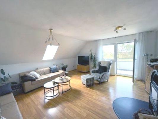 08-Wohnzimmer mit Kaminofen-DG